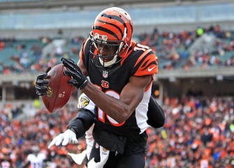 Bengals' A.J. Green Exits 26-21 Preseason Loss To Jaguars Early With Non-Serious Knee Injury