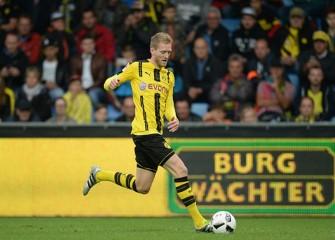 Investigation Begins After Germany's Borussia Dortmund Bus Explodes, Injuring Defender Marc Bartra
