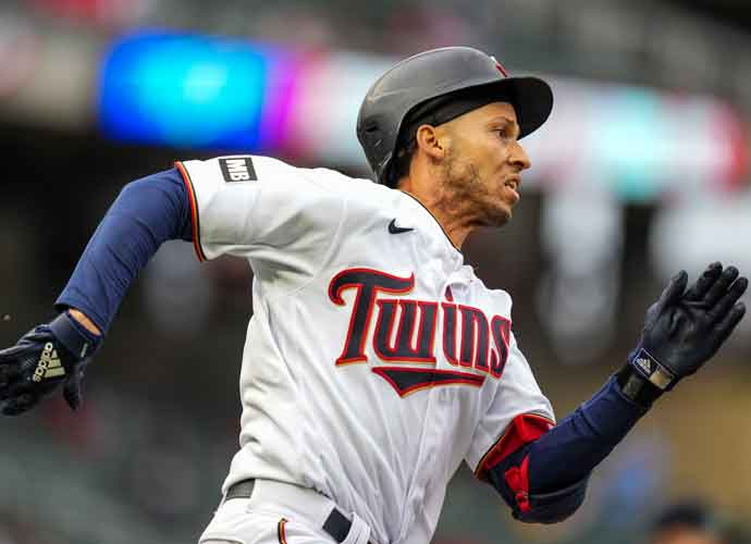 Andrelton Simmons Declines Vaccine, Gets Covid-19