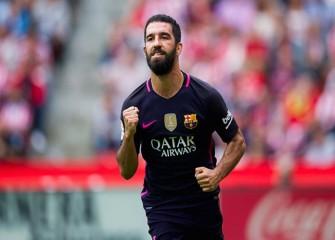 Arda Turan, Gerard Pique Score To Lift Barcelona To 2-1, Come-From-Behind Win Over Borussia Mönchengladbach