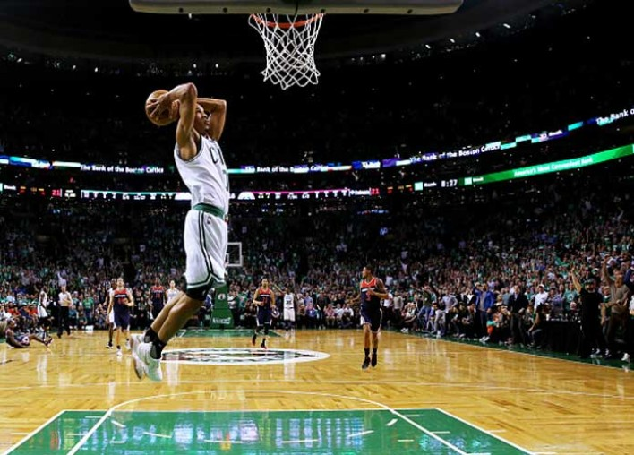 Lakers' Guard Avery Bradley To Miss Restart Of NBA Season Citing Family Concerns