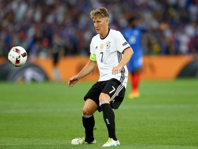 Chicago Fire Sign Manchester United Midfielder Bastian Schweinsteiger To One-Year Deal
