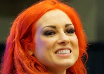 Becky Lynch Destroys Ronda Rousey On WWE Monday Night Raw, Gets Pulled From Survivor Series