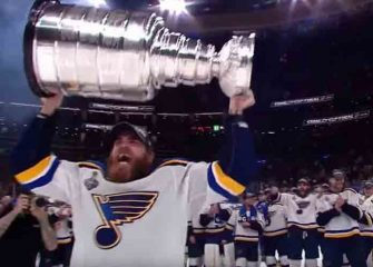 St. Louis Blues Lift First Ever Stanley Cup Trophy After Beating Bruins 4-1 In Game 7 [VIDEO]