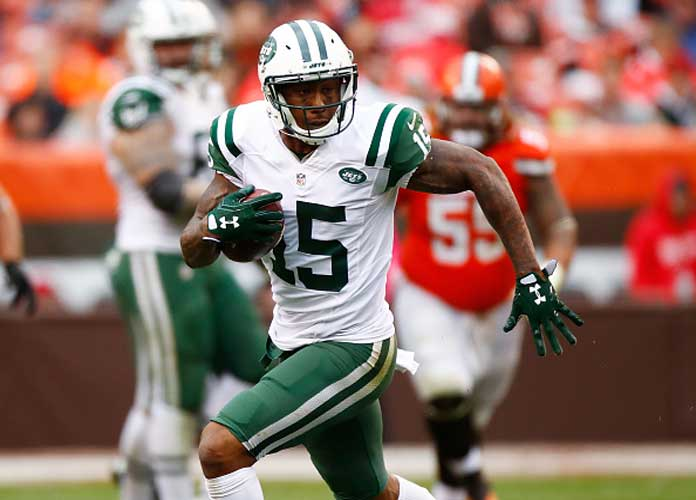 wholesale dealer 427c6 7a333 Saints Sign Brandon Marshall To New Deal, WR