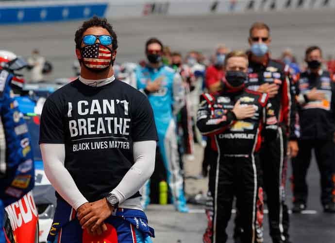 NASCAR Fans Boo Bubba Wallace, Cheer When He Crashed