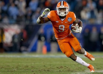 Clemson Beats North Carolina After Controversial Offsides Penalty