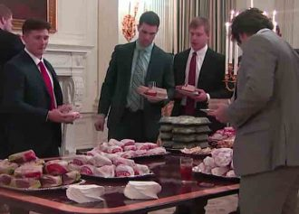 """Donald Trump Serves Clemson Football Team Fast Food At White House, """"Paid For"""" By Him [VIDEO]"""