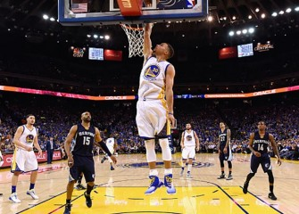 Stephen Curry Leads Warriors To 73rd Regular-Season Win, Breaking Bulls' Record