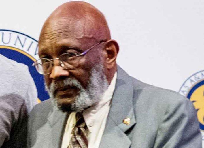 Boxer Curtis Cokes Dies At 82