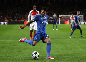 Watch: Gonzalo Higuain, Dani Alves Lead Juventus To 2-0 Win Vs. Monaco In Champions League Semifinals Leg 1
