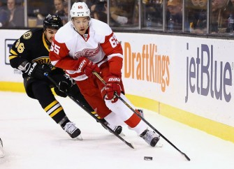 Red Wings Rally To Beat Arizona Coyotes 3-2 In Overtime