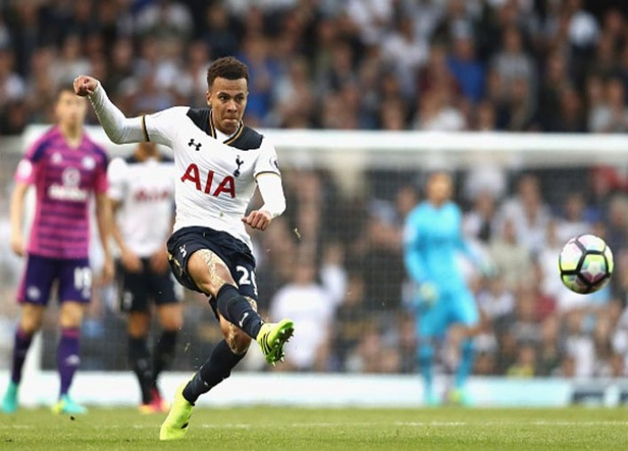 Tottenham's Dele Alli Robbed At Knifepoint, Suffers Minor Facial Injuries