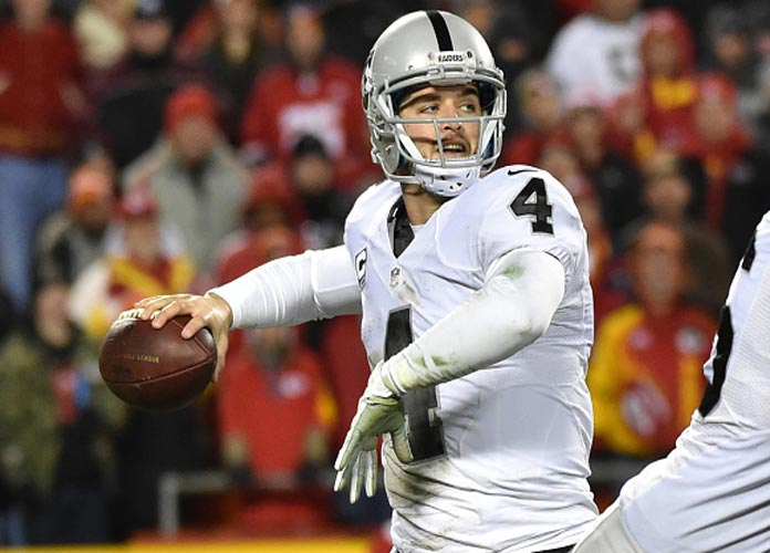 Derek Carr Tweets His Love For Raiders Despite Being 1-5 After Allegedly Crying