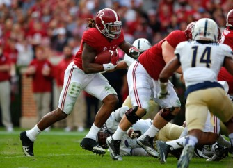 Derrick Henry, Christian McCaffrey And Deshaun Watson Named Maxwell Award Finalists