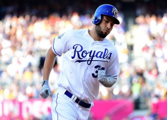 Royals Roll Past Yankees 8-5 With Five-Run 7th
