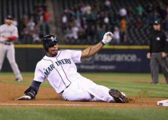 Brewers: Eric Thames Signs 3-Year Deal To Replace Chris Carter At First Base