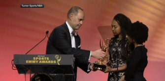 Ernie Johnson Gives His Sports Emmy To Stuart Scott's Daughters