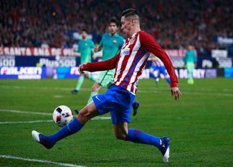 Atletico Madrid's Fernando Torres Released From Hospital After Head Injury Vs. Deportivo