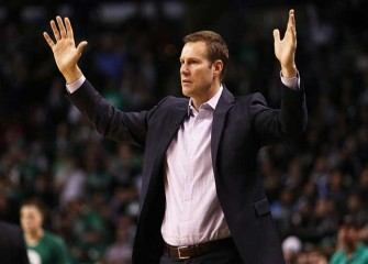 Watch: Bulls' Fred Hoiberg Walks Out Of Press Conference After Isaiah Thomas Dribbling Question