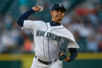 Seattle Mariners Re-sign Hisashi Iwakuma