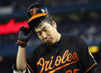 Fan Throws Beer At Orioles' Hyun Soo Kim In 5-2 AL Wild Card Loss To Blue Jays