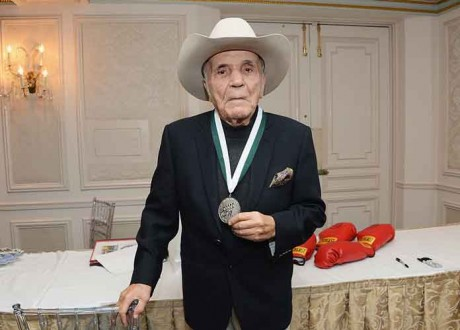 Former Middleweight Champion Jake LaMotta, 'Raging Bull' Subject, Dead At 95: Tributes Pour In