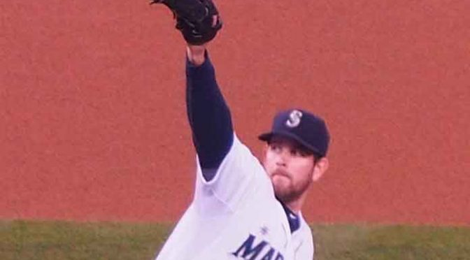 Eagle lands on Mariners' James Paxton