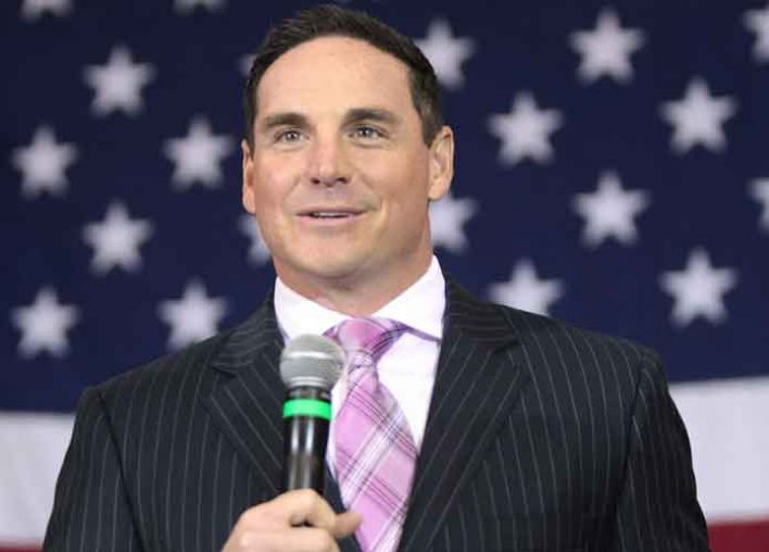Ex-NFL Kicker Jay Feely Says Photo Of Him With Gun, Daughter And Prom Date Was Meant To Be A 'Joke'