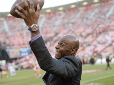 Jerry Rice Wears Popeyes Chicken Helmet In New Ad, Gets Slammed By Fans On Twitter