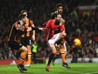 Juan Mata, Marouane Fellaini Lead Manchester United To 2-0 Win Over Hull City