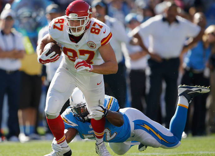 """Travis Kelce Does """"Hit The Quan"""" Dance After Scoring Touchdown"""