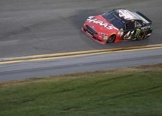 Kurt Busch Wins Crash-Filled Daytona 500, Celebrates With Rob Gronkowski
