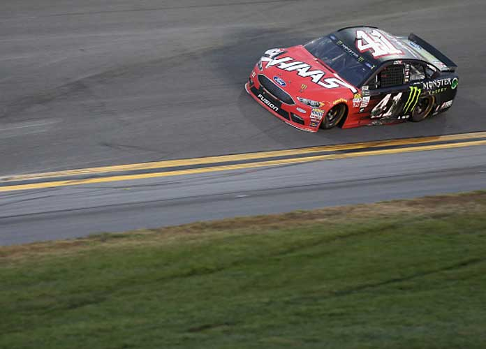 Kurt Busch Wins Crash-Filled Daytona 500, Celebrates With Rob Gronkowski
