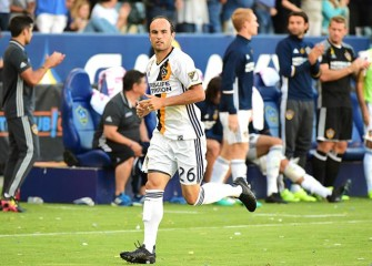 Landon Donovan Signs With Mexican Club Leon, Slams Trump's Border Wall Idea [VIDEO]