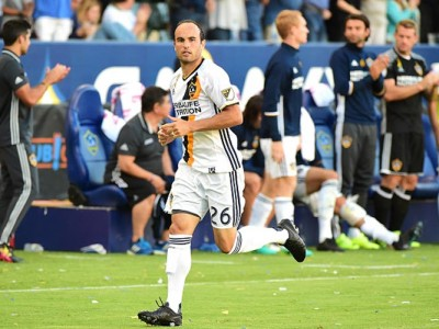 Landon Donovan Returns From Retirement In Galaxy's 4-2 Win Over Orlando