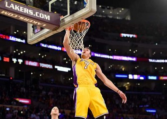 Larry Nance Jr. Jumps, Lands Huge Dunk On Brook Lopez In Lakers' 107-97 Loss To Nets