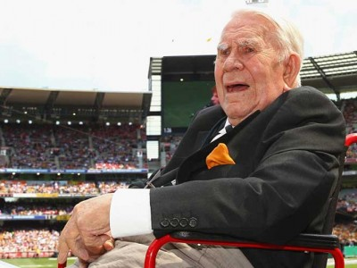 Tributes Pour In For Lou Richards, Ex-Australian Football Player And Commentator Dead At 94