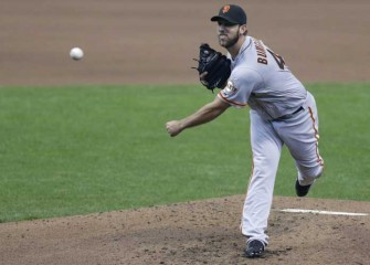 Giants' Bats Come Alive In 12-3 Opening Day Romp Over Brewers