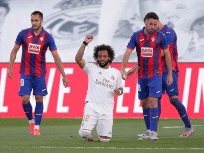 Real Madrid's Marcelo Raises Fist & Takes Knee Following Goal