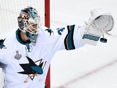 Martin Jones, Sharks Beat Ducks 2-1 In Game 4 For First-Round Sweep In Playoffs [VIDEO]