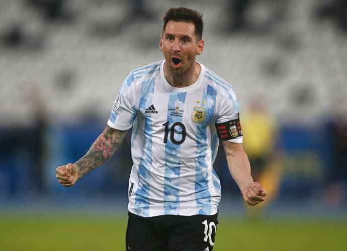 Messi's Stunning Free Kick Not Enough As Argentina Draws Chile 1-1