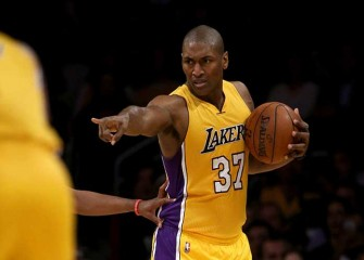 Metta World Peace Scores 18 In Possible Last Home Game, Lakers Beat Pelicans 108-96 For Fifth Straight Win