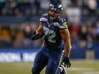 Seahawks DE Michael Bennett Nominated For NFL Man Of The Year Award
