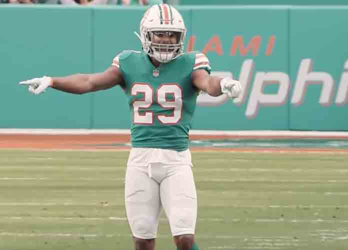 Dolphins' Minkah Fitzpatrick Reportedly Requests Trade After Citing Lack Of Defined Position