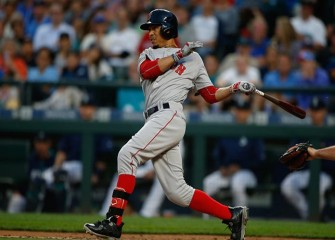 Red Sox Mookie Betts Quietly Delivers Food To Homeless After World Series Game 2 Win