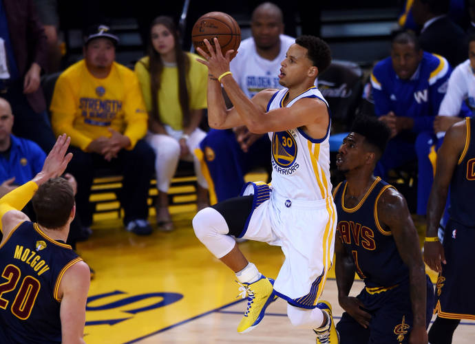 Stephen Curry Scores 40 Points On The Night Charlotte Honored His Father