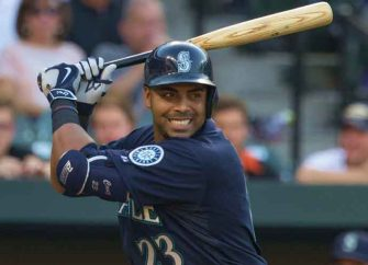 Minnesota Twins Sign Nelson Cruz