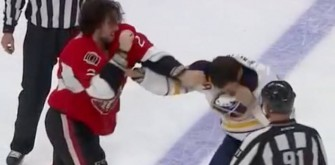 Buffalo Sabres' Patrick Kaleta Punches Himself in the Face