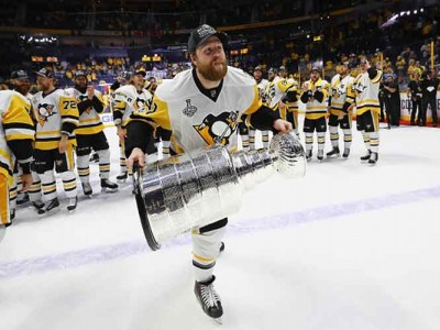Watch: Penguins Beat Predators 2-0 In Game 6 For Second Straight Stanley Cup
